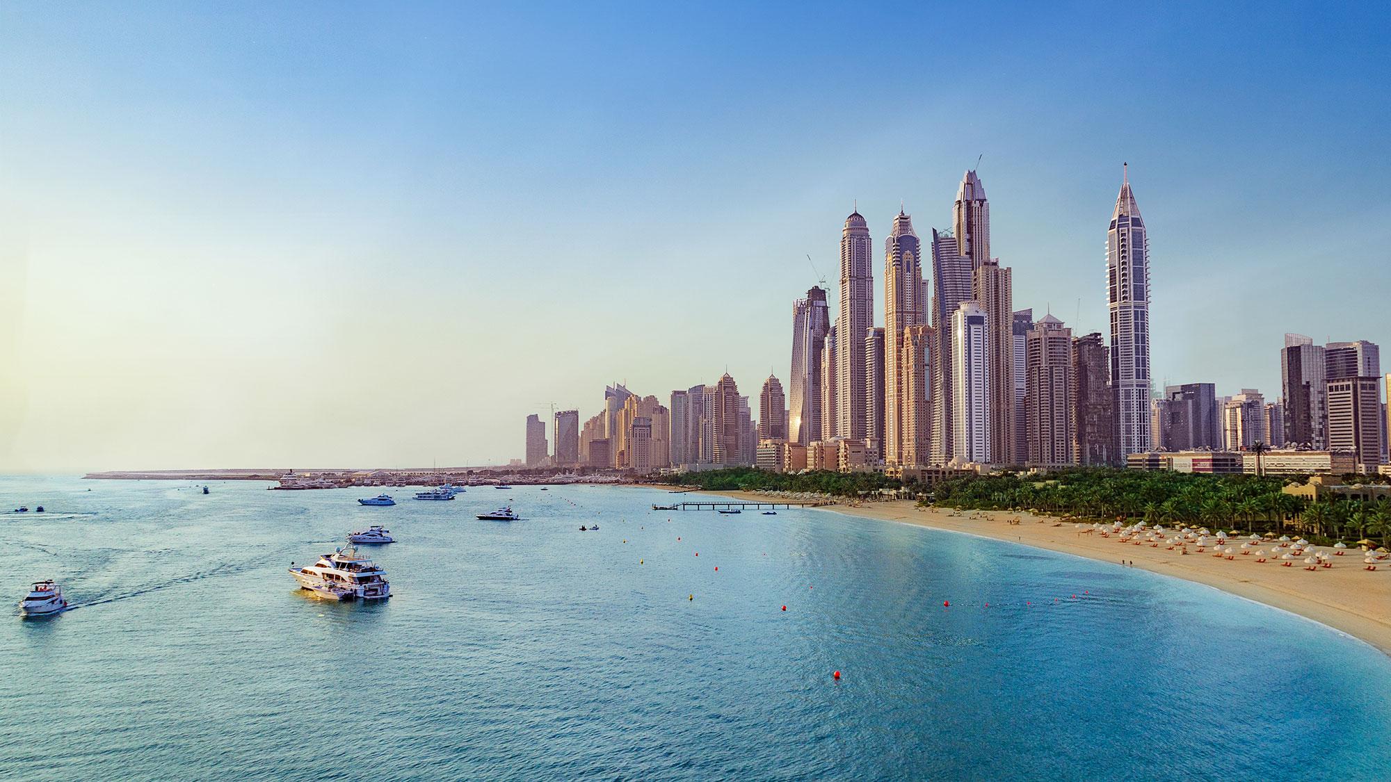 Plage et paysage à Dubai Marina