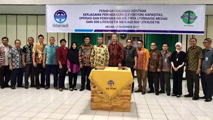 Signature of water production plant extension in Medan